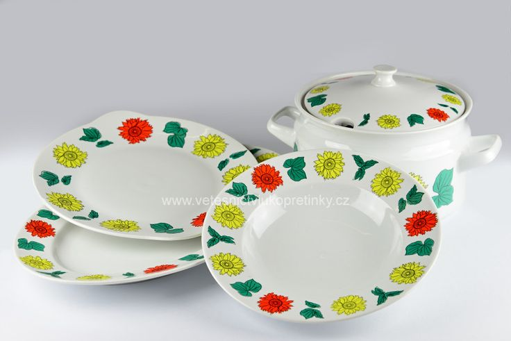 Porcelánová sada Thun 57. Polévková mísa, tác ovál, tác kulatý a mělký talíř.