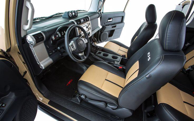 2014 Toyota FJ Cruiser Interior
