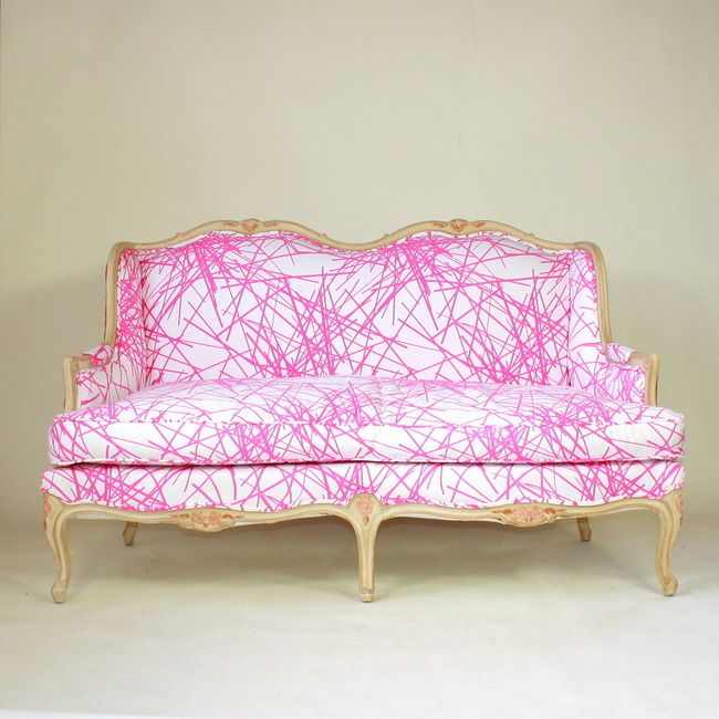 Pink Line SetteeDecor, Old Furniture, Design Trends, Pink Couch, Hot Pink, Old Frames, Fabrics, Sofas, My Style