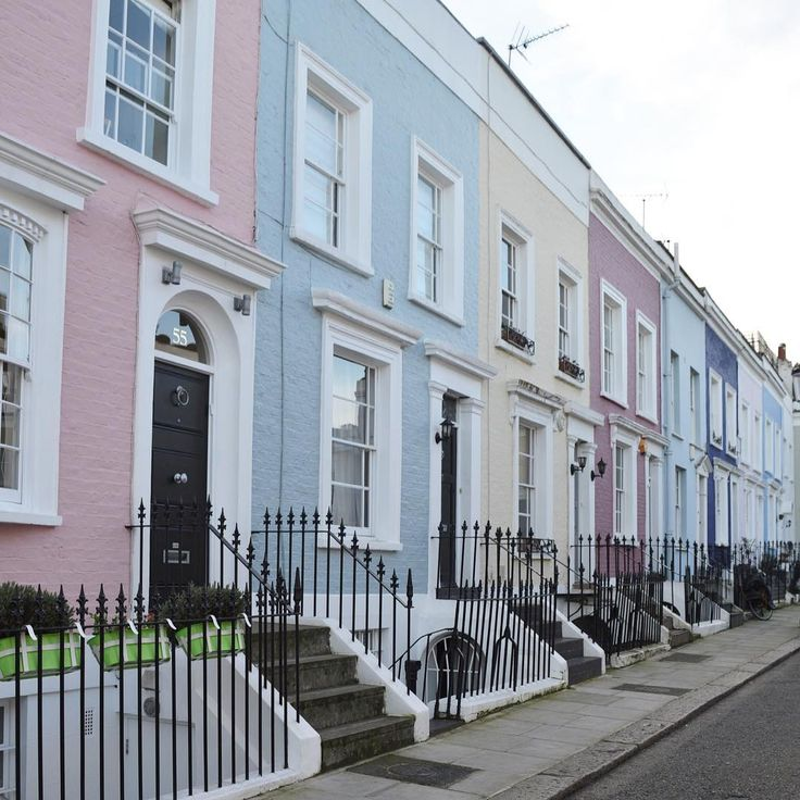 "A Romantic Notting Hill Apartment In London: ""Another One From Notting Hill. Sorry But This Place Is So"