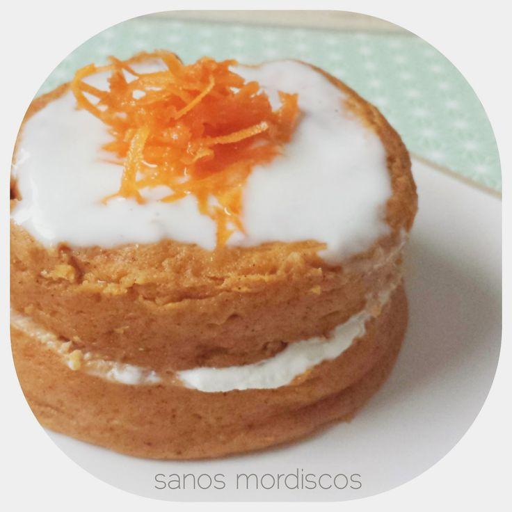 Ingredientes     3 cucharadas soperas de harina o copos de avena  1 zanahoria rallada  4 claras de huevo  1/2 cucharadita de levadura en p...