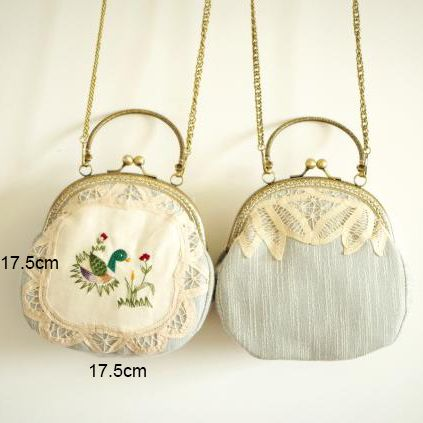 2017 Women Shabby Chic Lace Shoulder Bag Handmade Vintage Retro Embroidery Country Rustic Frame Funky Cute Kiss Lock Small Bags