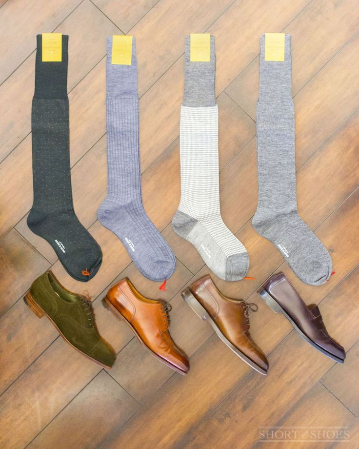 """""""Mi piace"""": 210, commenti: 39 - Alex Deleon, Mens Shoe Blogger (@shortofshoes) su Instagram: """"Way overdue for a sock game upgrade. Just picked up some superfine merino wool over-the-calf…"""""""
