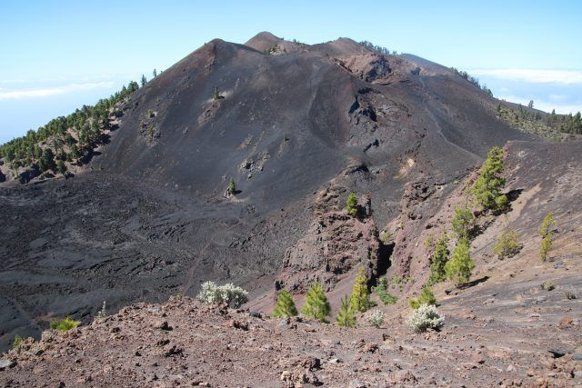Thursday, Jul. 06, 2017: Initial images of the site of the Cumbre Vieja mega-landslide in La Palma - I have spent the last three days on the island of La Palma, principally to represent the University of Sheffield at the inauguration of the new GOTO telescope, yesterday. I was able to take a coupl...