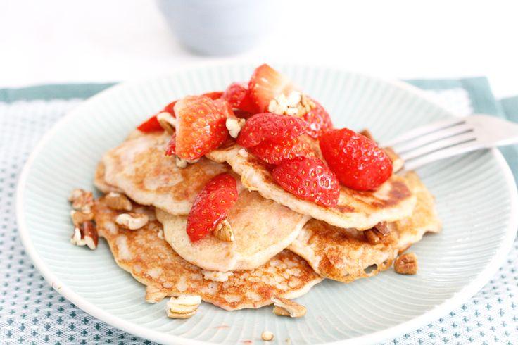 Healthy fluffy pancakes met aardbeien | Chickslovefood.com | Bloglovin'