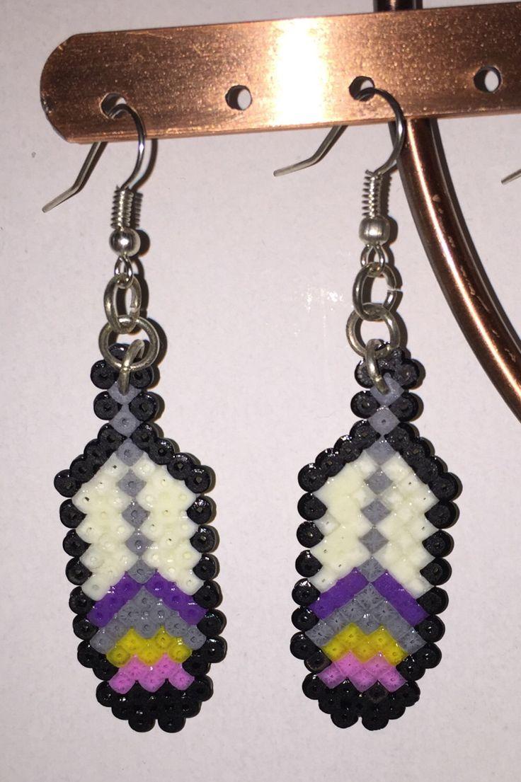 Un preferito personale dal mio negozio Etsy https://www.etsy.com/it/listing/264803855/orecchini-piume-hama-beads-linea-happy