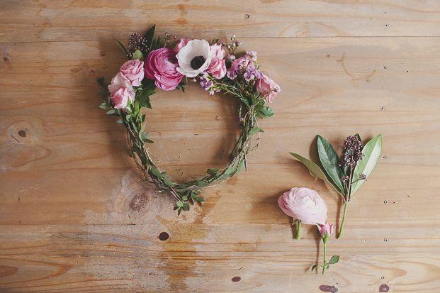 diy une couronne de fleurs fleurs fra ches pieds nus et fleur. Black Bedroom Furniture Sets. Home Design Ideas