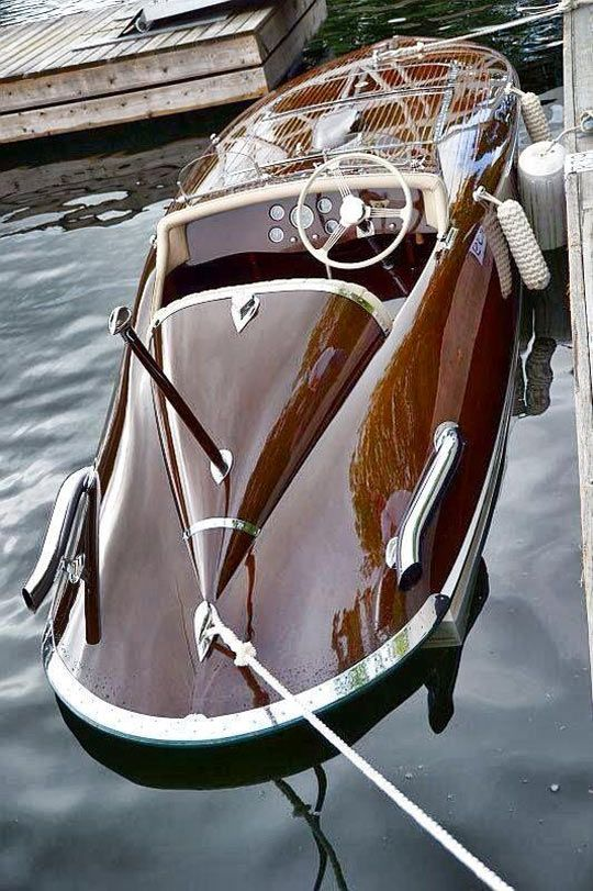 Classy+Wooden+Boat