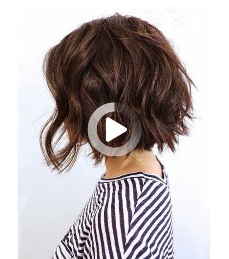 15 idées coiffures pour les cheveux courts en 2020 | Carré plongeant bouclé coiffure, Cheveux ...