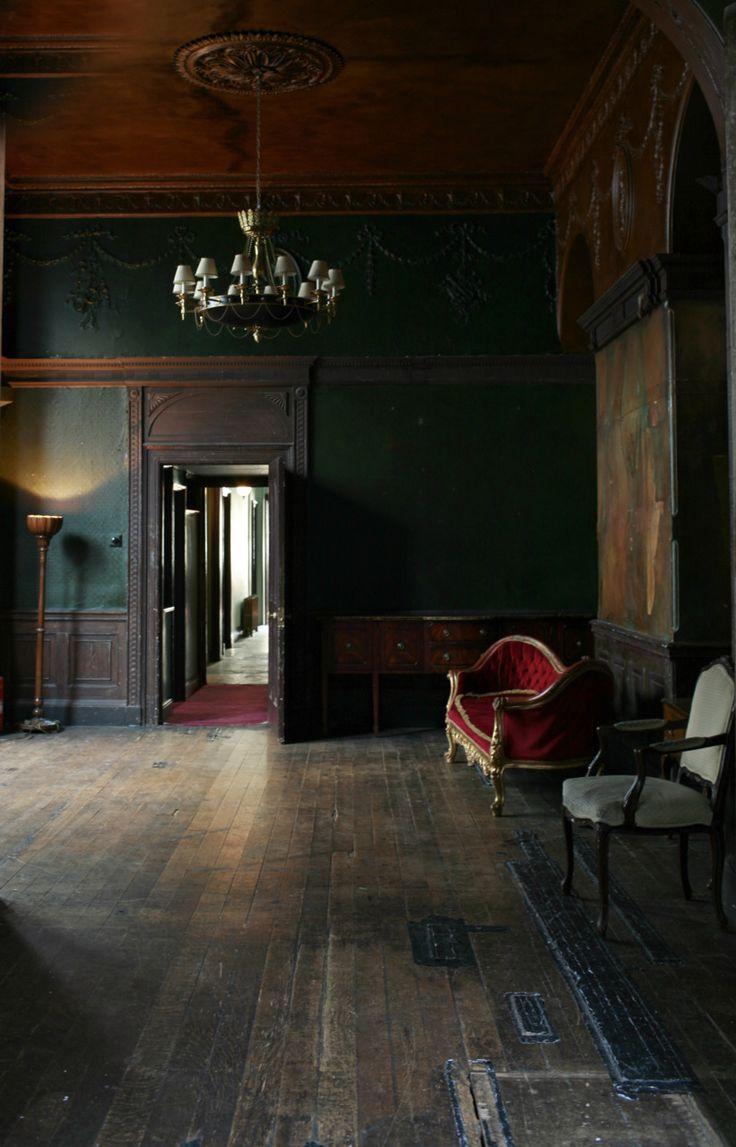 Best 25+ Gothic interior ideas on Pinterest | Gothic home decor ...