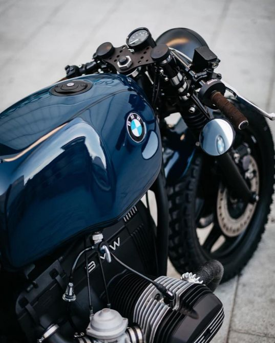"""rankxerox: """"dropmotoThis blue has me in a trance . Another angle on @roamotorcycles latest BMW build. """""""
