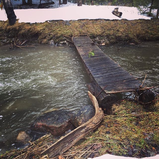 Hallelujah! Looks like our bridge survived after all  The snow line in this pic is where the creek had risen to just 2 days ago. #chubtown #walkingbridge