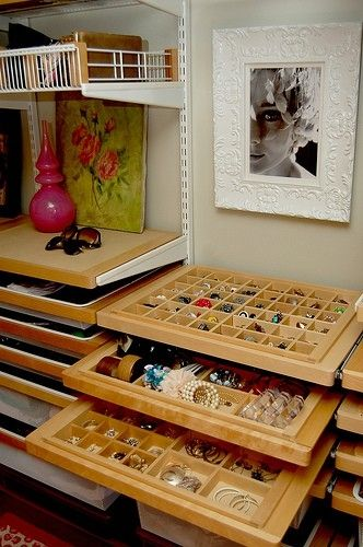 Do Want: Jewelry organizing drawers for Elfa closet