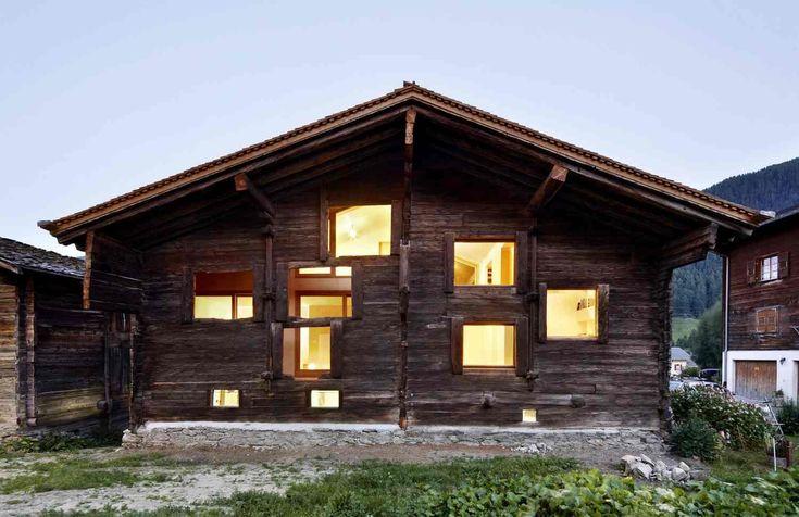 Ve švýcarském horském městečku Reckingen stojí mnoho starých stodol. A jedna z…