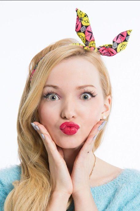 Dove Cameron--.Bellos ojos, mas bellos si ven bien.Controla tu vision cada año.lee nuestro blog Como relajar la vision y otros---