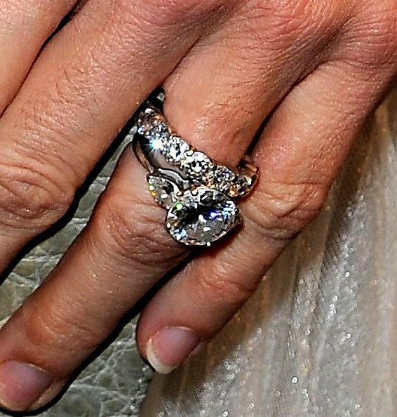 Angie Harmon's beautiful ring!