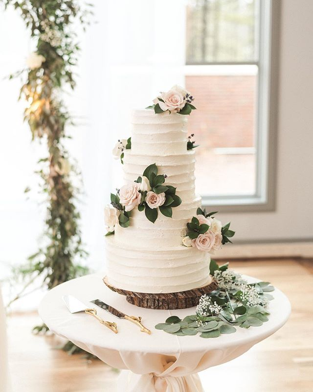 If You Are In The Wedding Planning Stage Choosing A Cake Bakery Is Essential We Sharing Some Of Best Bakeries Michigan That Perfect