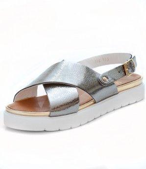 Комфортные сандалии серебряного цвета на тракторной подошве #MarioMuzi #shoes…