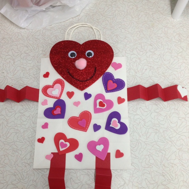 Preschool Classroom Valentine Ideas ~ Cute valentine bag for all your kids valentines art