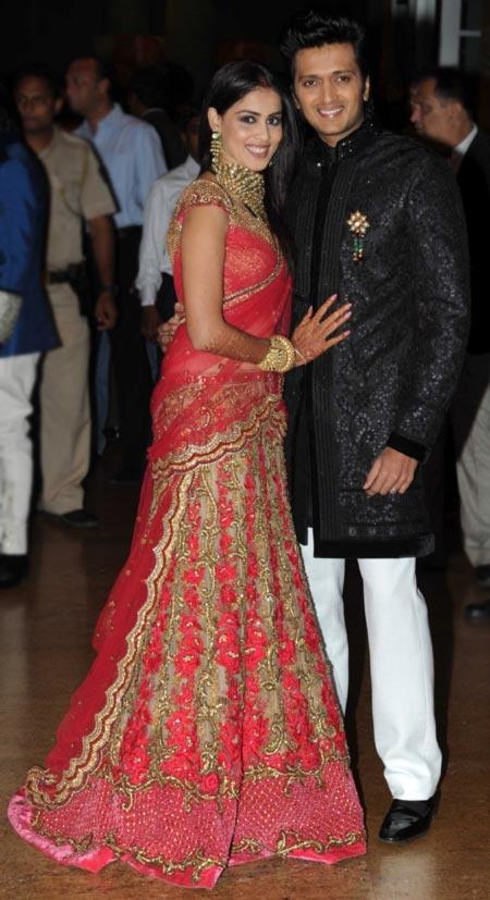 Genelia D'souza and Ritesh Deshmukh at their wedding ...