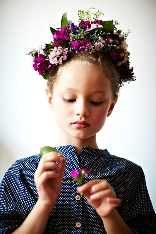 kaylaCrowns Flower, Flower Girls Hair, Little Girls, Kids Floral Crowns, Kids Fashion, Beautiful, Flower Crowns Purple Hair, Children, Flower Crowns Kids