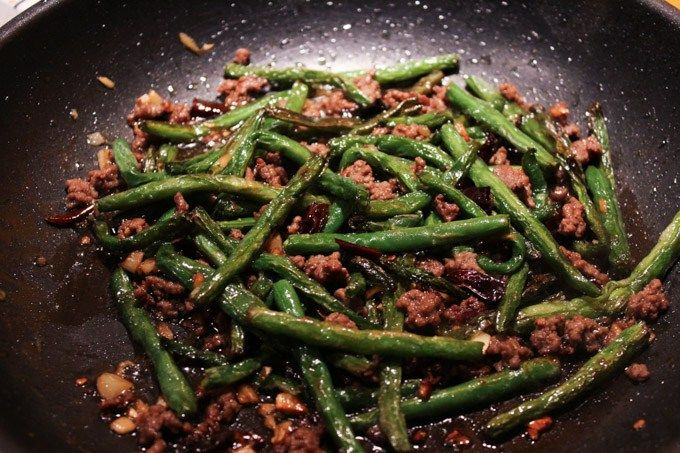 Spicy Ground Beef And Green Beans Spice The Plate Recipe Green Beans Beef And Green Beans Recipe Green Bean Recipes