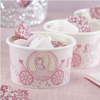 8 treat tubs which are perfect for little sweets or ice cream! Complete with   a horse drawn carriage in pink, perfect for a princess party. 5oz in size.