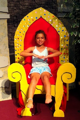 For a princess birthday party. Her own throne