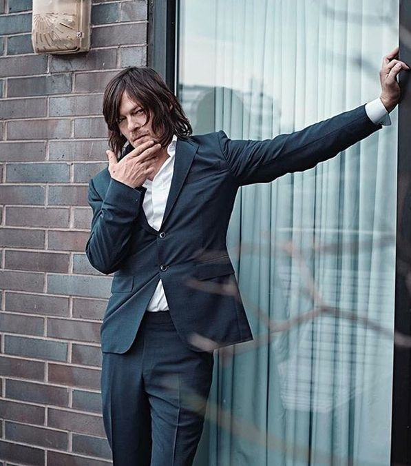 That is one HOT pose Norman! He's getting hot.