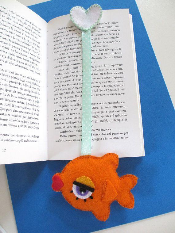 Felt goldfish bookmark