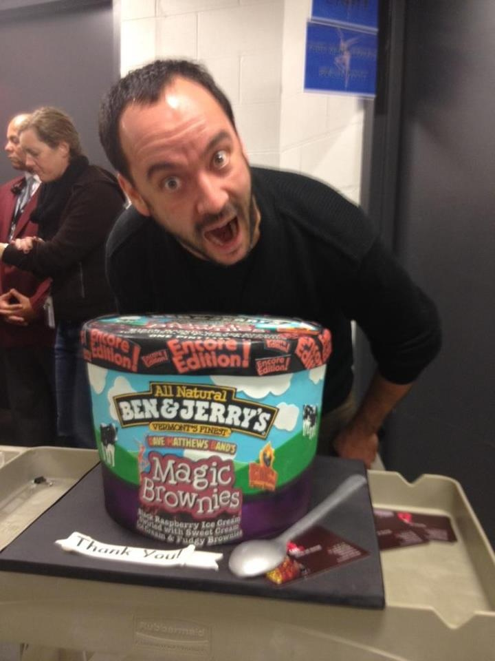 Dave Matthews got the munchies before his concert in Brooklyn at Barclays Center   12-21-2012