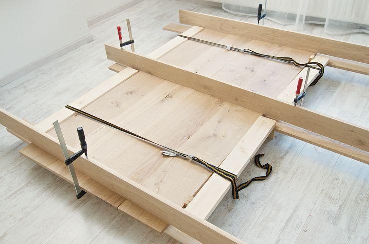 voorkomen kromtrekken bij lijmen planken tafel eigen eetkamertafel maken, tafel zelf maken