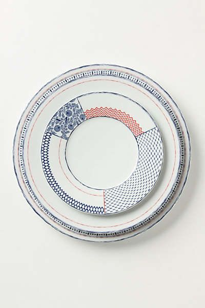 A(サンプリング) 断片的なb.c.d.eの文様が一つのお皿というフォーマットに切り貼りされAという表情が作り出されている。 Anthropologie - Sen-Gaki Dinner Plate