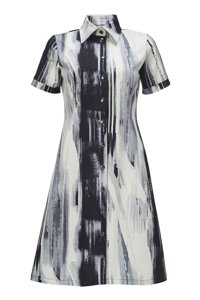 Winnie kjole inspireret af den klassiske herre skjorte i sort/hvid grafisk mønster.