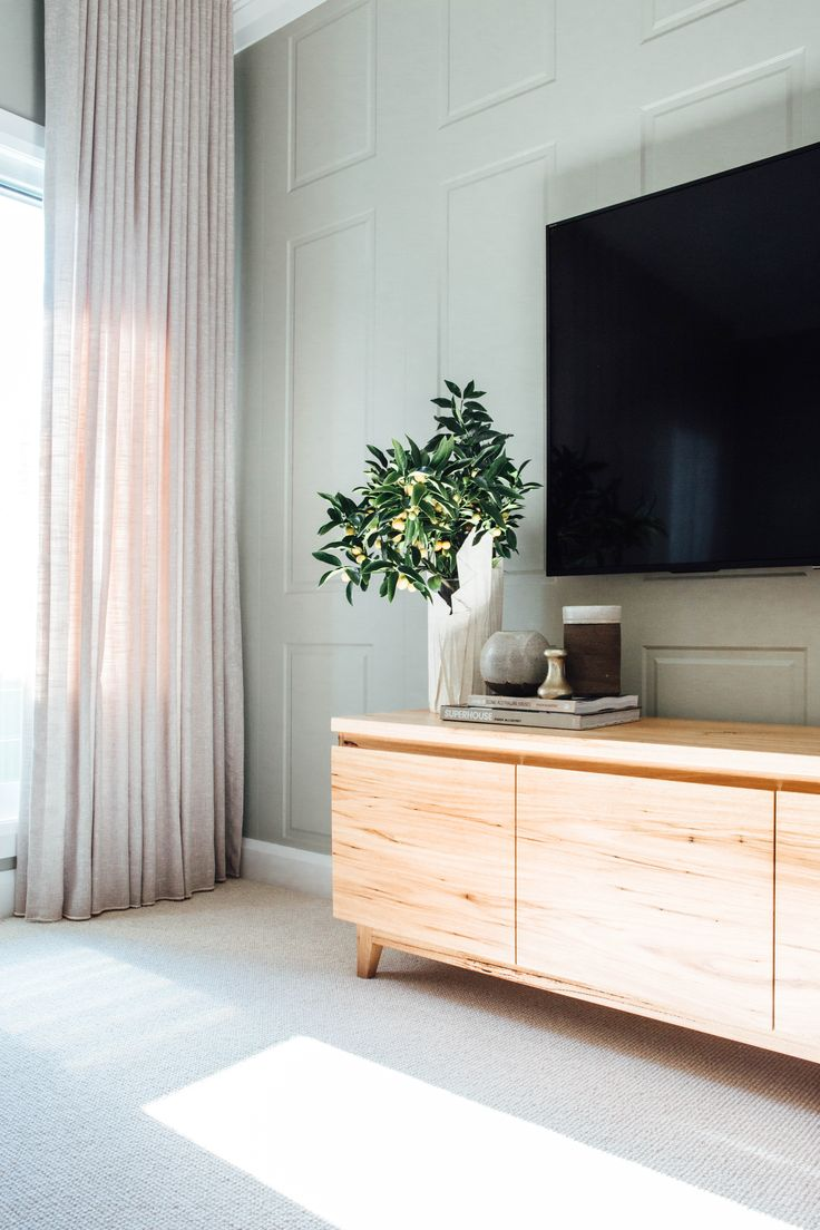 Long Jetty Reno by Kyal & Kara. Loughlin Furniture custom made entertainment unit. Gorgeous styling by Kara Demmrich.