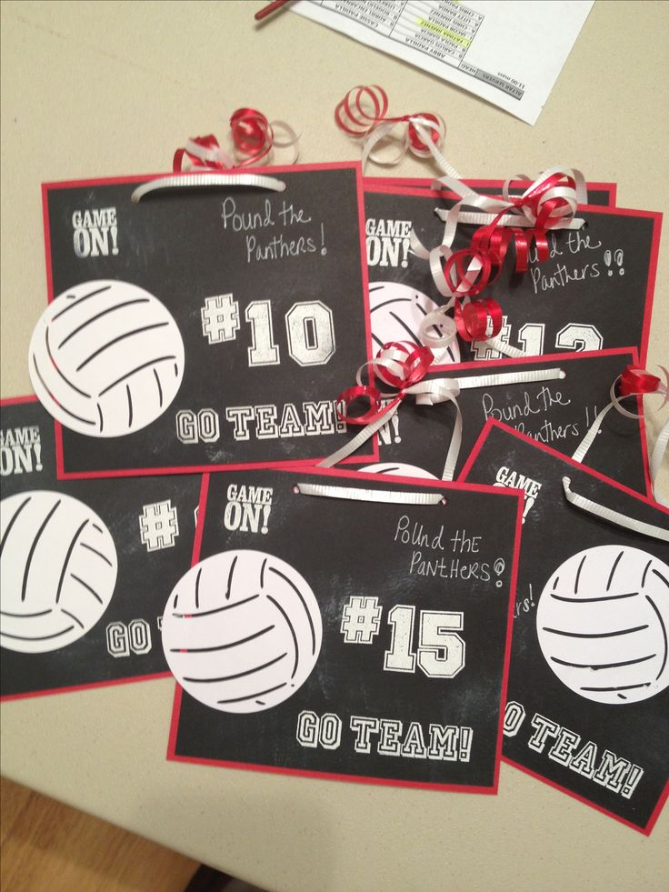 Chalkboard Volleyball locker decorations! I made these for my daughter's JV volleyball team. So cute & fun!