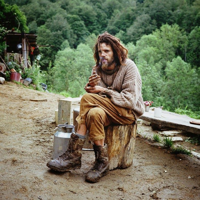 Incredible Photos of People Living Off The Grid Who Abandoned Civilization for Life in the Wilderness