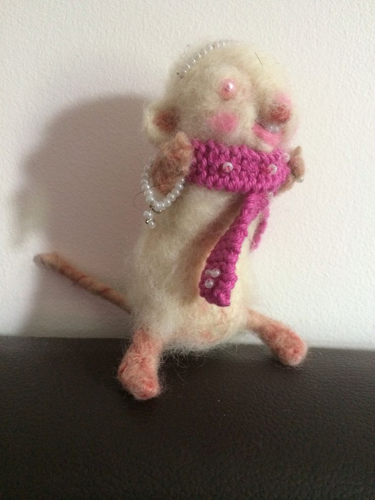 Little blind felted mouse awwwww