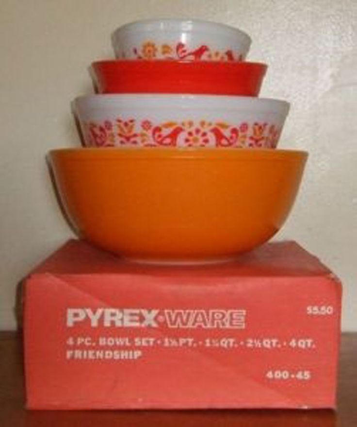 HTF MIB VINTAGE PYREX 400 FRIENDSHIP 4 BOWLS SET - UNUSED, GLOSSY AND PERFECT!
