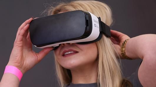 #Samsung #Gear #VR: Over one million people used the #technology last month  A #Facebook employee demonstrates use of the #Oculus Gear VR virtual reality goggles at the Facebook #Innovation #Hub on February 24, 2016 in Berlin, #Germany.