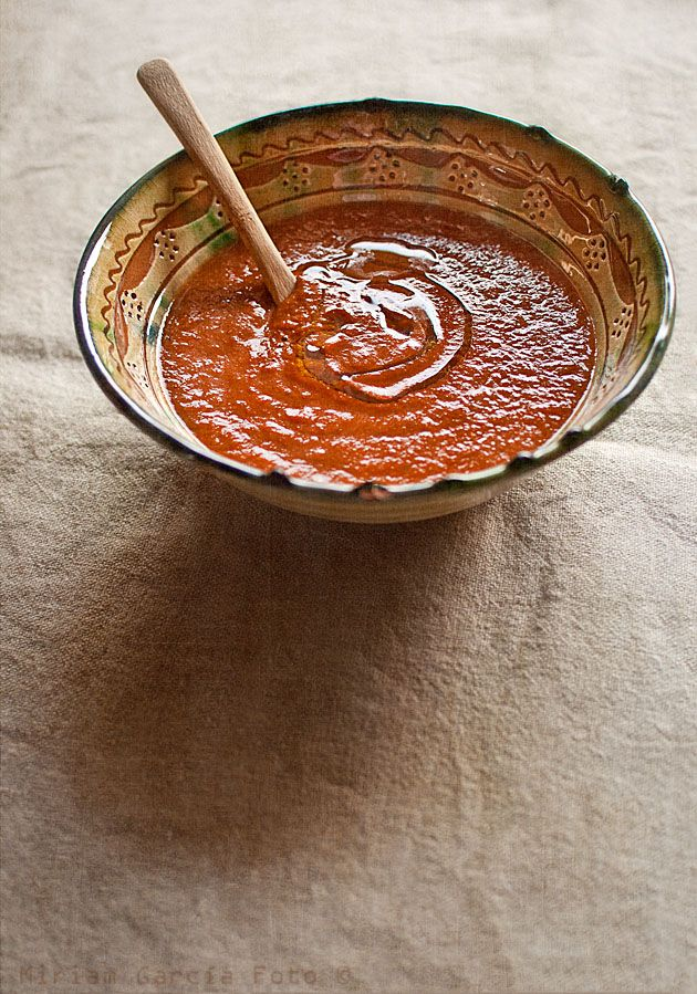 Crema de tomates y pimientos asados, picante / spicy roasted tomato and red pepper soup | El Invitado de Invierno