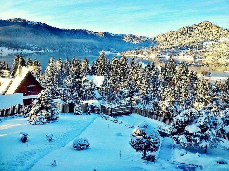 Frumusețe absolută !  Lacul Colibița - Bistrța Năsăud  Foto: Grecu Toader  #romaniaazi #romania #peisaje #iarna #lac #bistritanasaud #colibita