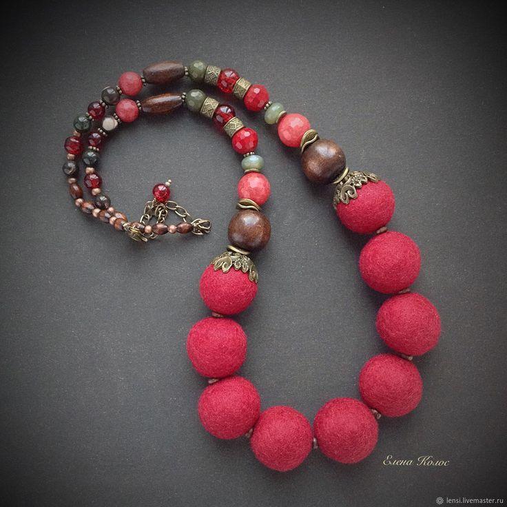 Felted necklace    Купить Бусы валяные Брусничка в интернет магазине на Ярмарке Мастеров