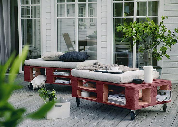 Så fixar du ett bord och soffa av lastpallar