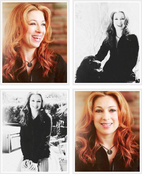 WOW.  I've never actually seen Alex Kingston without curly hair.  She DOES look like Amy!  And, this goes without saying, but she's GORGEOUS.
