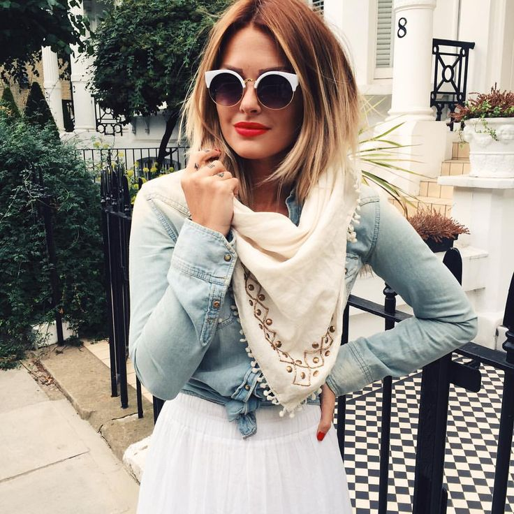 "Caroline Receveur on Instagram: ""#details #outfit #london #mylondon www.carolinereceveurandco.com"""