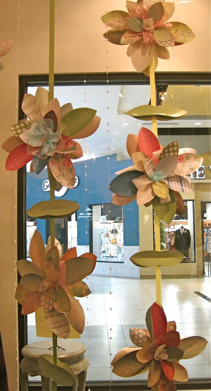 Scrapbook paper display - Paper Flower Garland Scrapbook