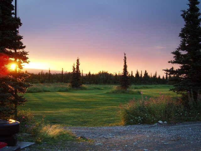 What a beautiful view! Black Diamond Golf Course, in Healy, Alaska, was built in 1995 and has a 9-hole course with a par of 34! #GolfCourseOfTheDay | Rock Bottom Golf #RockBottomGolf #beautifulgolfcourses