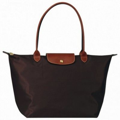 Sac Longchamp Pliage à épaule Large Chocolat on the lookout for limited offer,no taxes and free shipping.#handbags #design #totebag #fashionbag #shoppingbag #womenbag #womensfashion #luxurydesign #luxurybag #luxurylifestyle #handbagsale #longchamp #totebag #shoppingbag