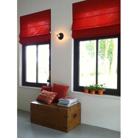 Strakke vouwgordijnen brengen kleur in je interieur. #gordijn #curtains #Gardinen #Vorhänge